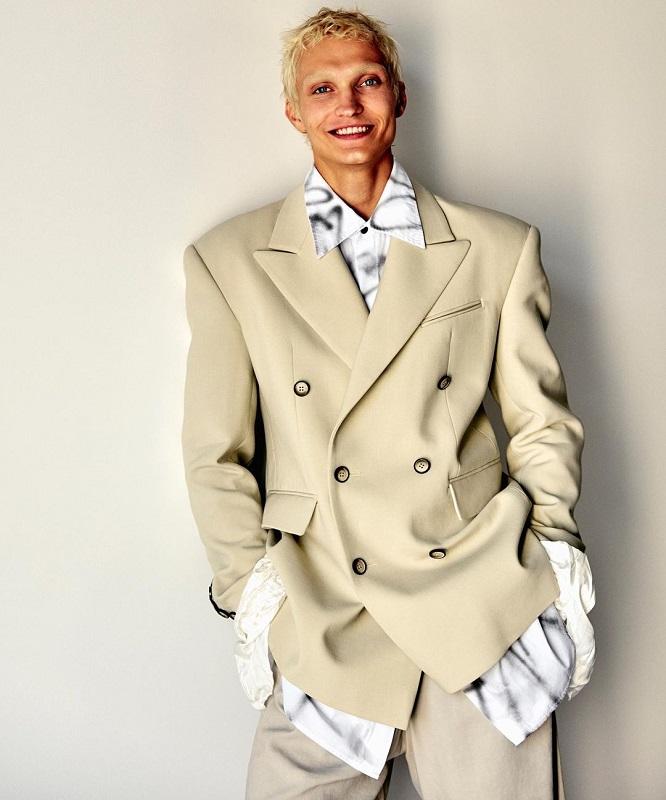 Образ дня: Австрийский инфлюэнсер Мартин Емеле в пиджаке украинского бренда Elena Burenina-Фото 4