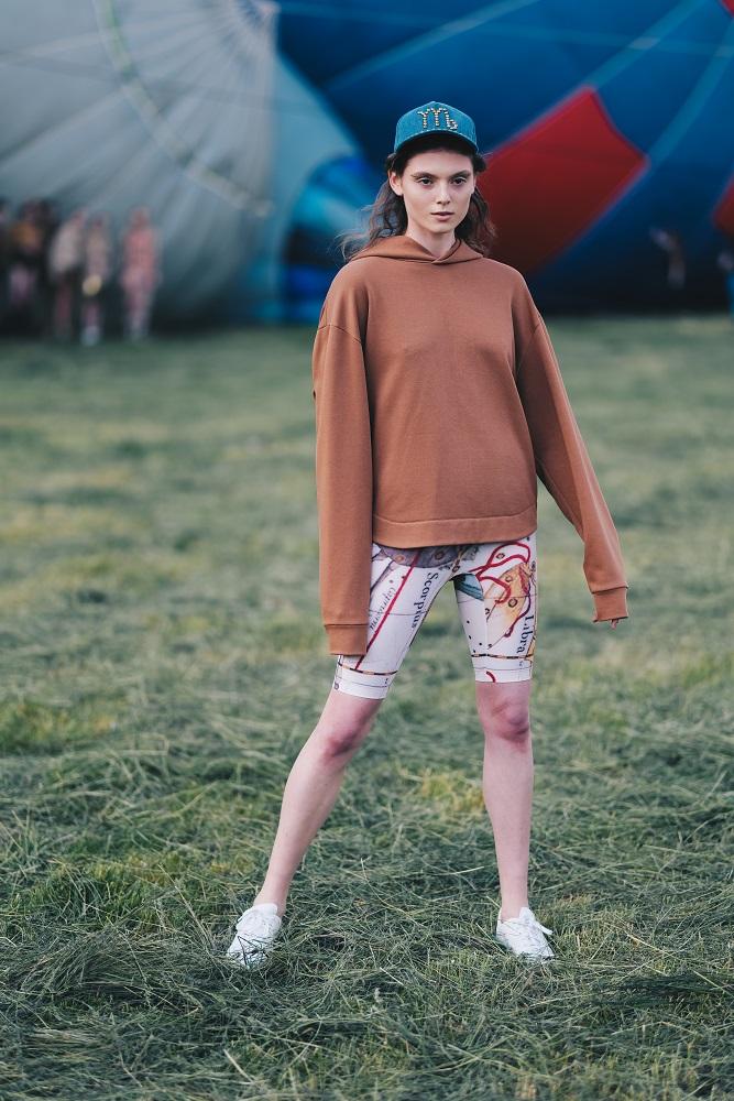 Українська Каппадокія: Жан Гріцфельдт представив fashion-колекцію на фестивалі повітряних куль-Фото 10