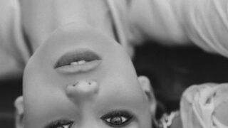 Универсальный игрок: Fashion-съемка с девушкой с обложки digital-номера Marie Claire — моделью и актрисой Викторией Любухиной-320x180