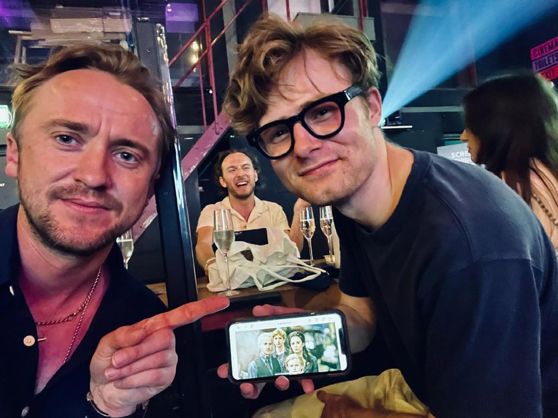 """Несколько лет спустя: Том Фелтон встретился со своим экранным сыном из """"Гарри Поттера""""-Фото 1"""