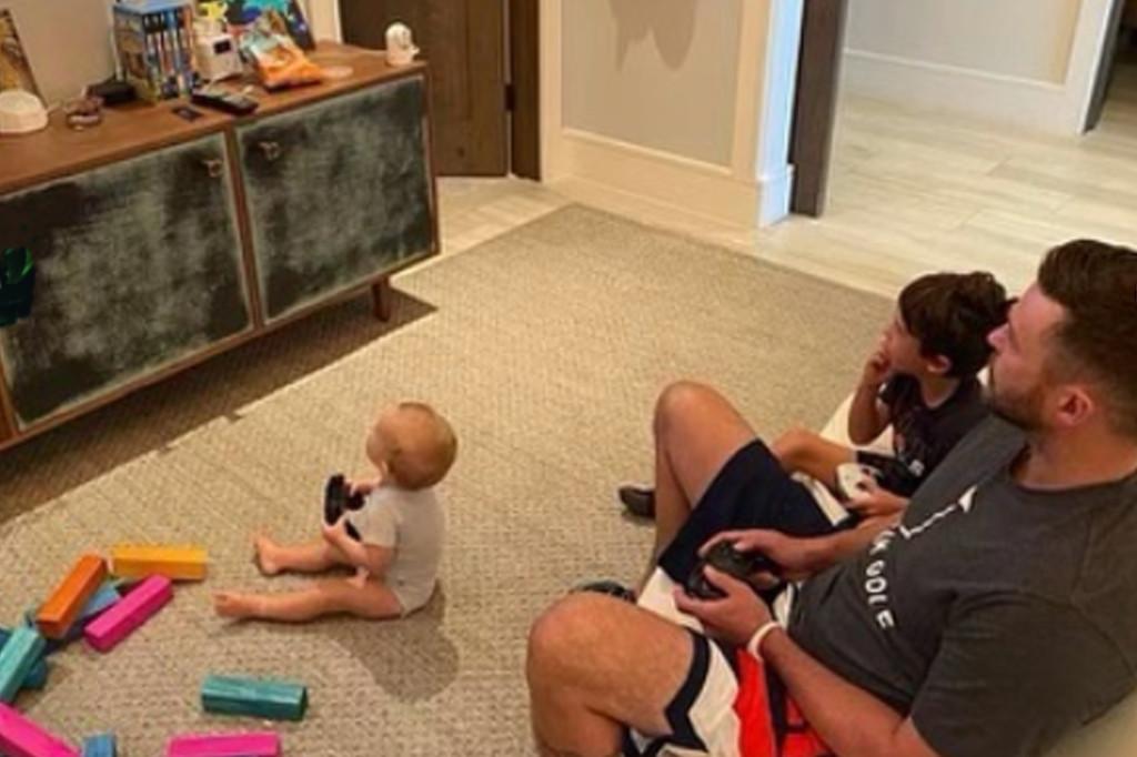 Джастин Тимберлейк показал первое фото своего недавно родившегося сына-Фото 1