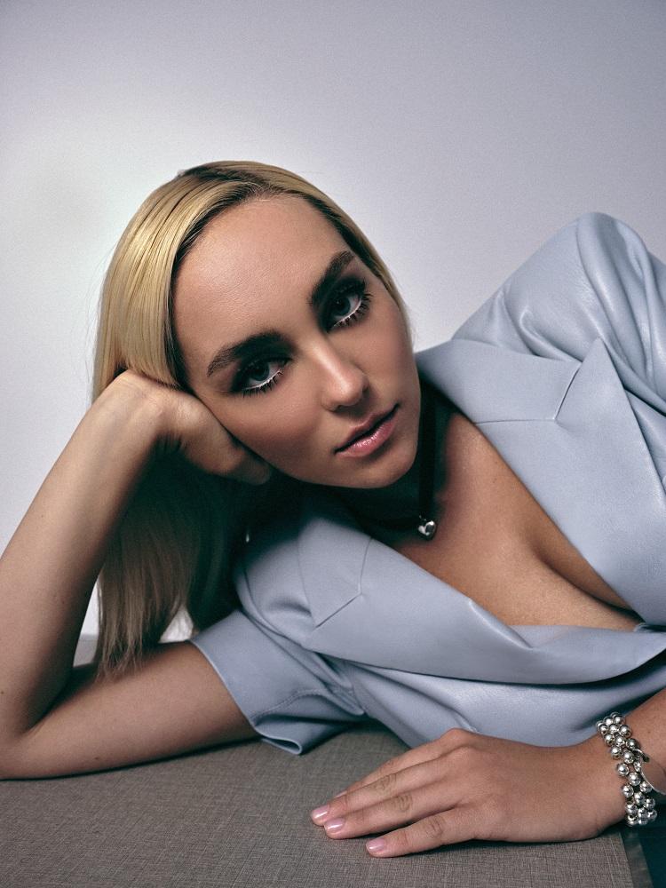 Ліна Костенко зазвучала по-новому-Фото 2