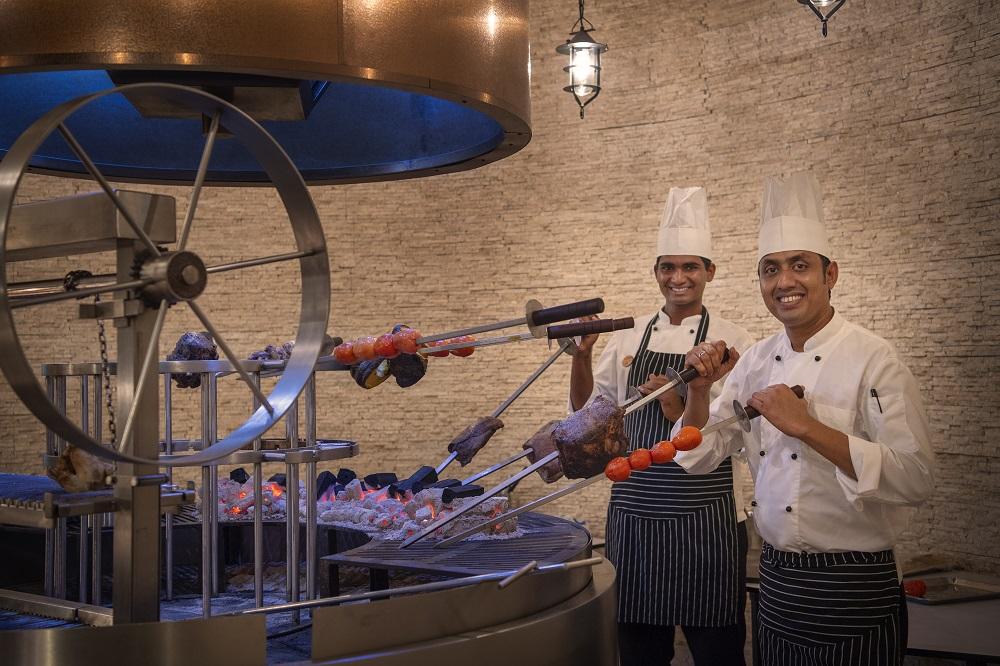 Смак до життя: Поласувати аутентичною азійською кухнею в розкішному готелі Emerald Maldives Resort & Spa-Фото 6