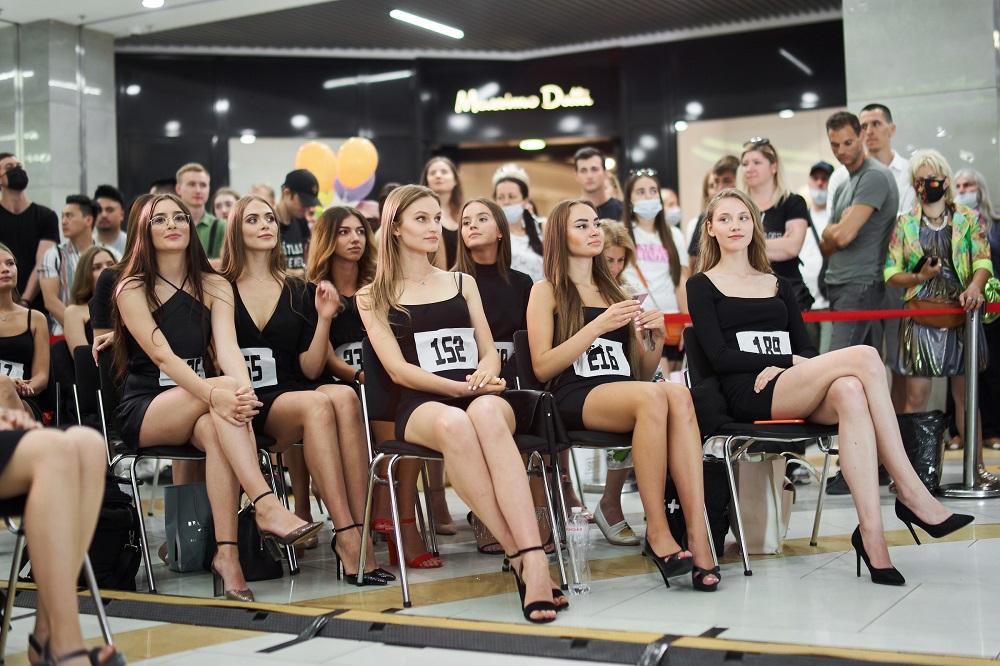 Рекордна кількість дівчат взяли участь у кастингу «Міс Україна» у Києві-Фото 2