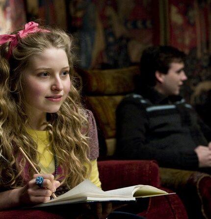 """Актриса """"Гарри Поттера"""" рассказала обуллингена съемочной площадке «Даров Смерти»-430x480"""