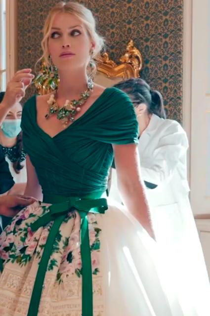 Племянница принцессы Дианы Китти Спенсер вышла замуж — пять платьев невесты-Фото 6