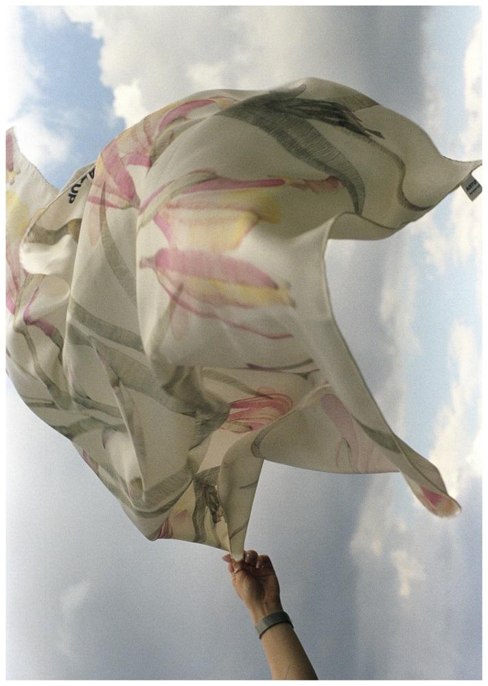 Олександра Токарева + ARTUP представляє серію хустинок із зображенням акварелей-Фото 2