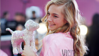 """""""Экс-ангел"""" Victoria's Secret рассказала об абьюзе, токсичном окружении илицемерии бренда-320x180"""