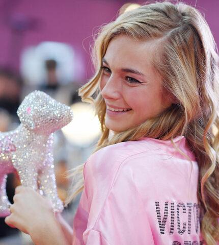 """""""Экс-ангел"""" Victoria's Secret рассказала об абьюзе, токсичном окружении илицемерии бренда-430x480"""