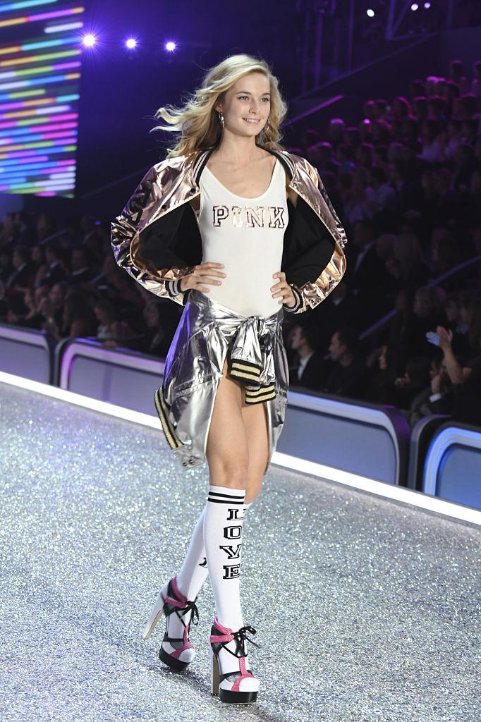 """""""Экс-ангел"""" Victoria's Secret рассказала об абьюзе, токсичном окружении илицемерии бренда-Фото 1"""