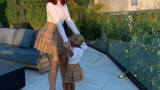 Кто круче:КардиБи подарила дочери на третий день рождения бриллиантовое колье-320x180