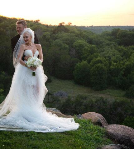 Разбор полетов: Гвен Стефани посвятила два свадебных платья своим детям-430x480