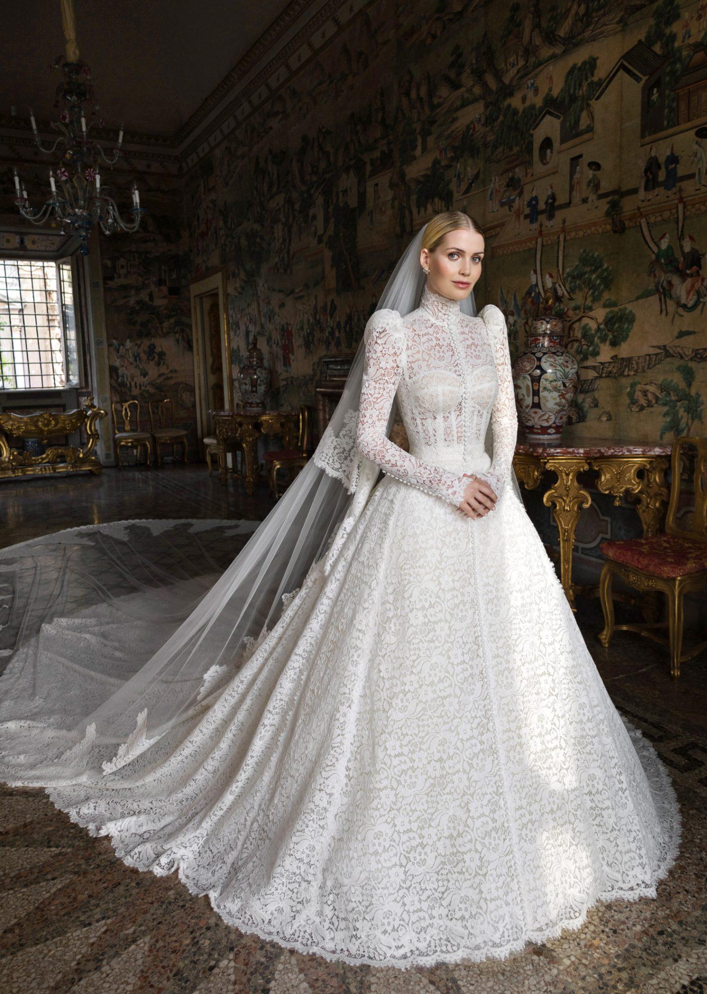 Племянница принцессы Дианы Китти Спенсер вышла замуж — пять платьев невесты-Фото 1