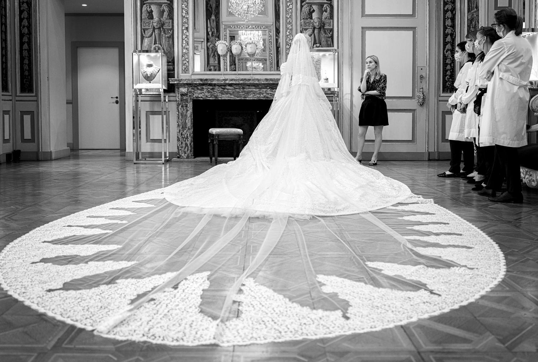 Племянница принцессы Дианы Китти Спенсер вышла замуж — пять платьев невесты-Фото 2