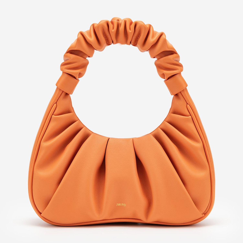 Видоизмененные формы: Самая актуальная сумка лета 2021, и где ее искать-Фото 1
