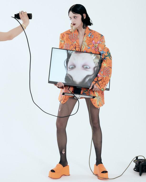 Ex machina: новая fashion-съемка Питера Кардоны-Фото 4