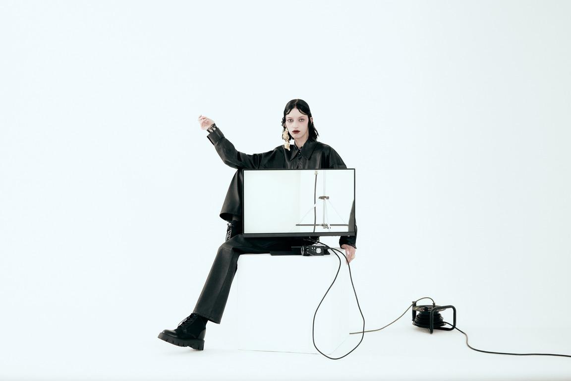 Ex machina: новая fashion-съемка Питера Кардоны-Фото 2