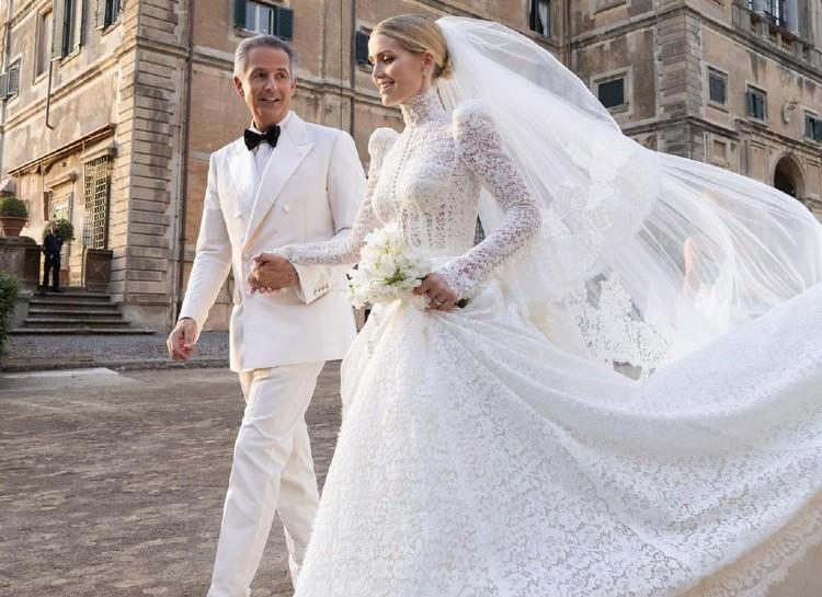 Племянница принцессы Дианы Китти Спенсер вышла замуж — пять платьев невесты-Фото 3