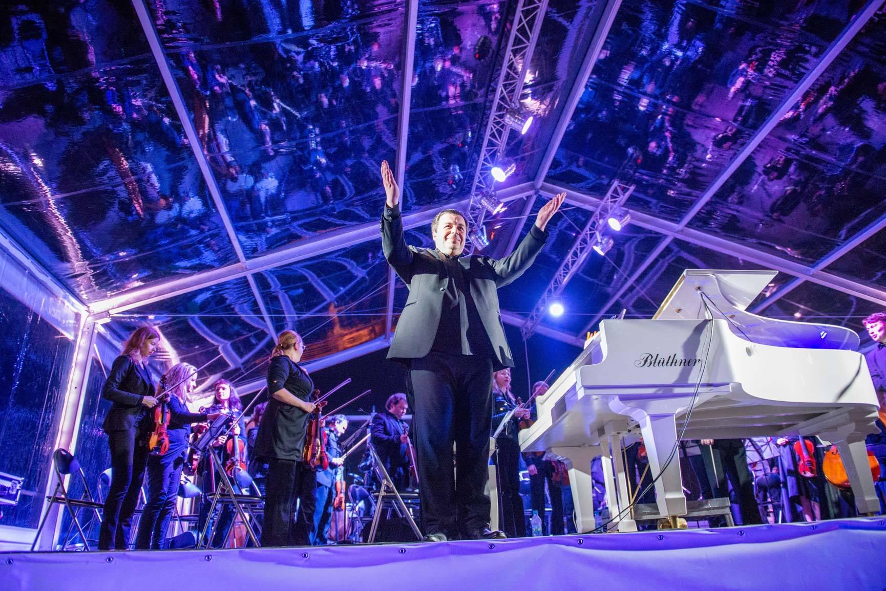 Музично-мистецький проект Олексія Ботвінова до святкування 30-річчя Незалежності України: грандіозні концерти просто неба на унікальних локаціях-Фото 1