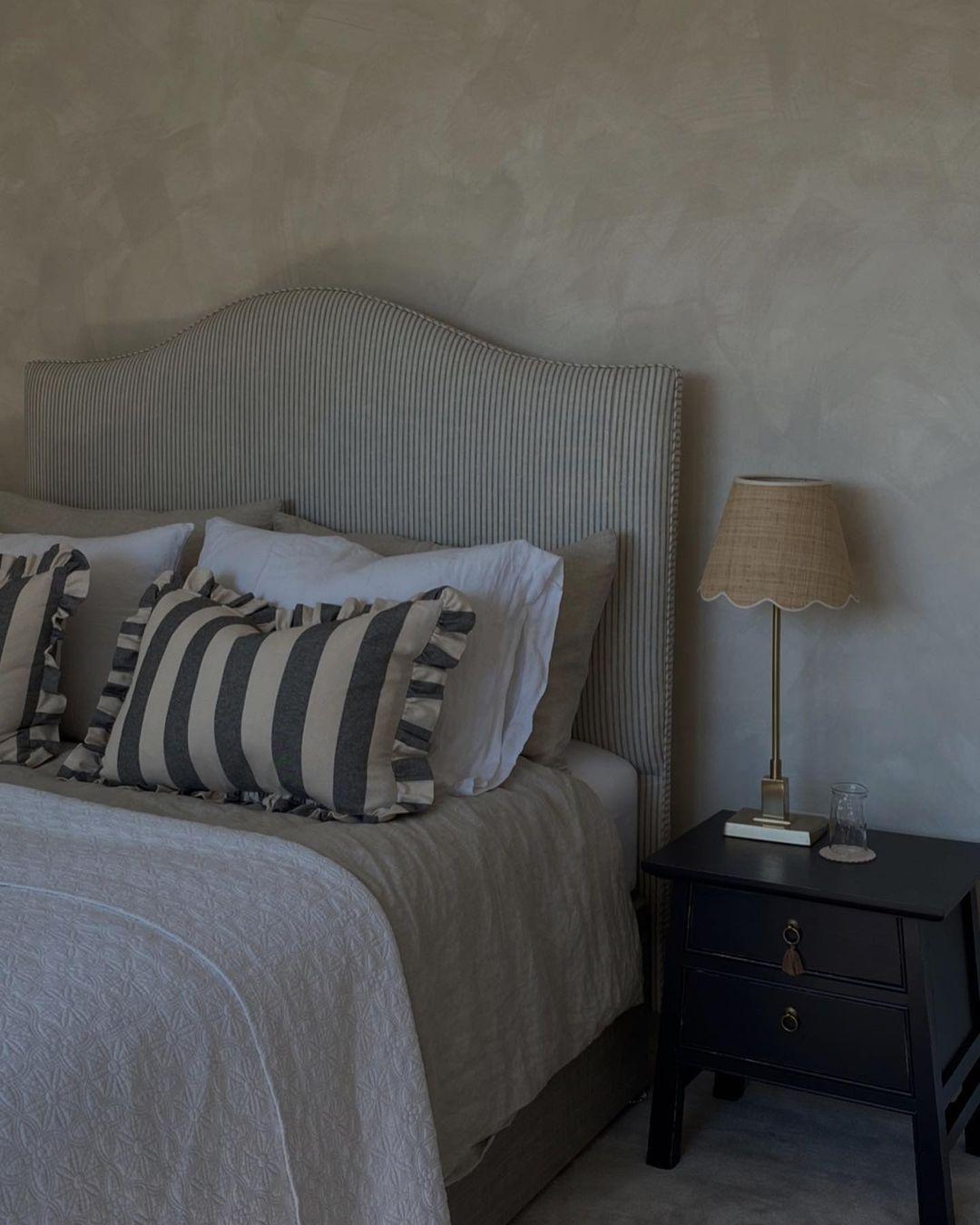 Место отдыха: 7 стильных приемов как изменить свою спальню-Фото 7