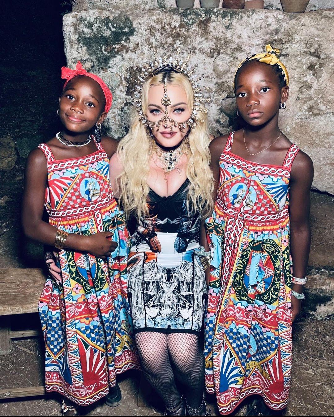 Как Мадонна отпраздновала день рождения своих дочерей — 9-летних близнецов-Фото 1