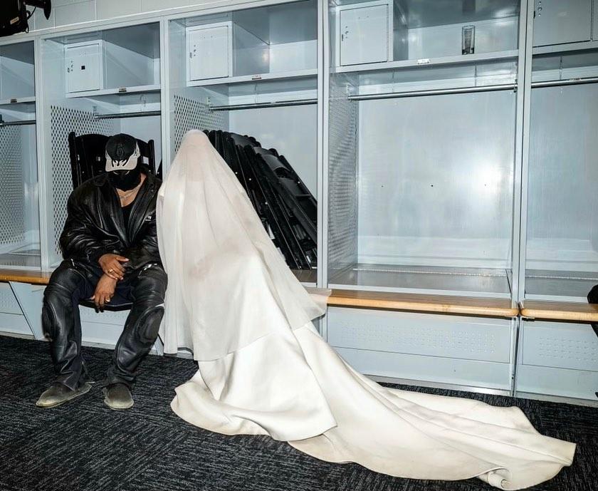 КаньеУэст и КимКардашьянповторили свадебные клятвы-Фото 3