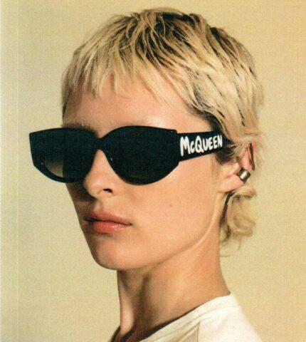 Alexander McQueen презентовал новую линейку очков Graffiti-430x480