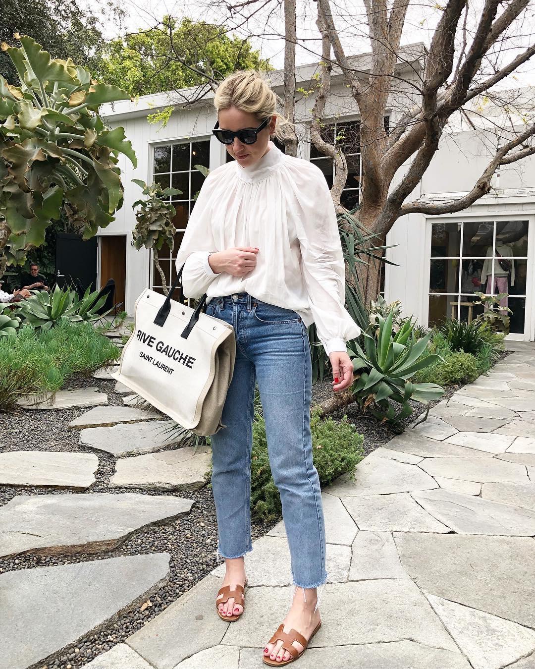 Своя ноша легка: Tote bag — универсальный тренд осени 2021 года-Фото 3