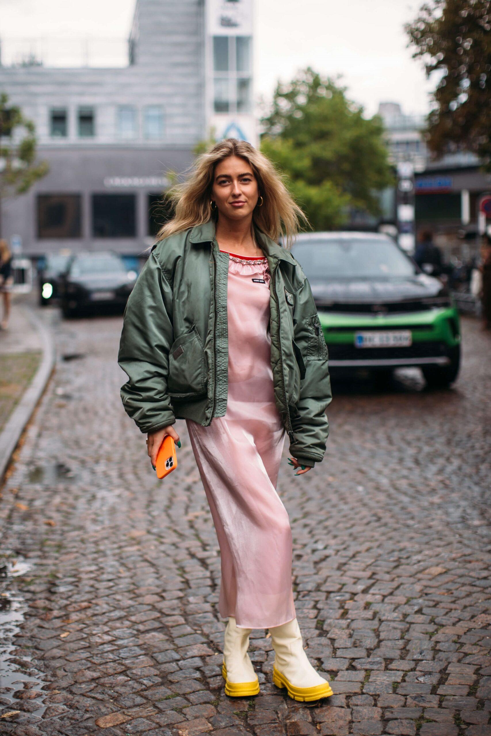 Не тренчем единым: Трендовая верхняя одежда осени 2021-Фото 8