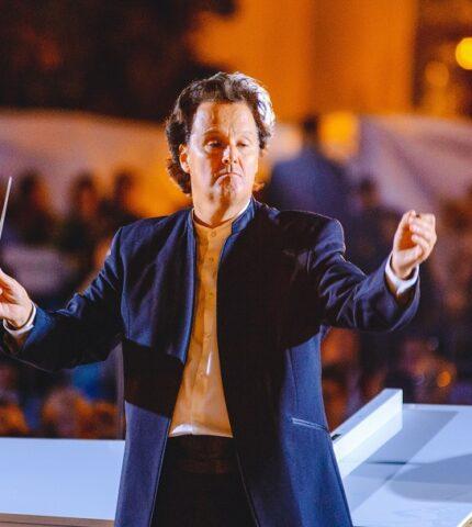 Як відбувся концерт просто неба «Музика біля моря» до святкування 30-річчя Незалежності України-430x480