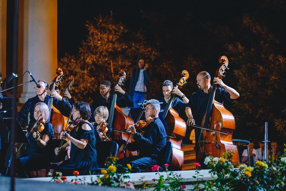 Як відбувся концерт просто неба «Музика біля моря» до святкування 30-річчя Незалежності України-Фото 2