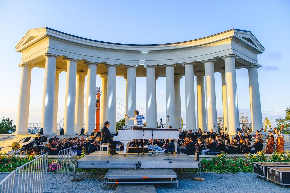 Як відбувся концерт просто неба «Музика біля моря» до святкування 30-річчя Незалежності України-Фото 3