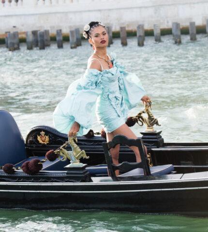 Экскурсия по Венеции: Как проходил показ новой коллекции Dolce & Gabbana-430x480