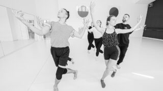 У Києві вперше покажуть танцювальну виставу ARKAN, у якій візьмуть участь і глядачі-320x180