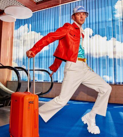Новий сингл Макса Барських став саундтреком української авіакомпанії SkyUp Airlines-430x480