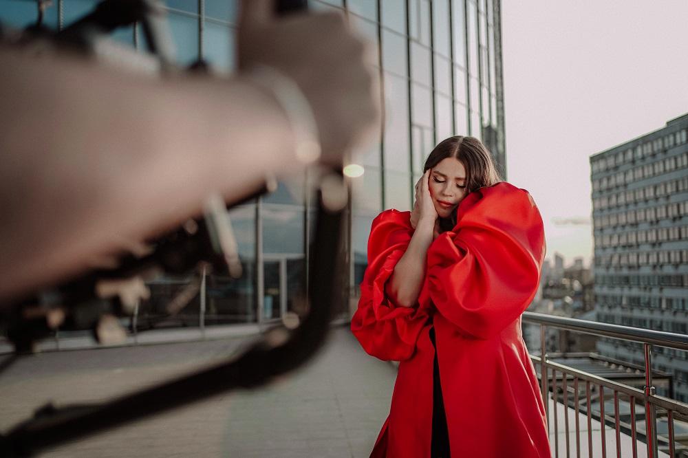 Гурт KAZKA презентували нову пісню, що стала головним саундтреком до серіалу «Моя улюблена Страшко»-Фото 1