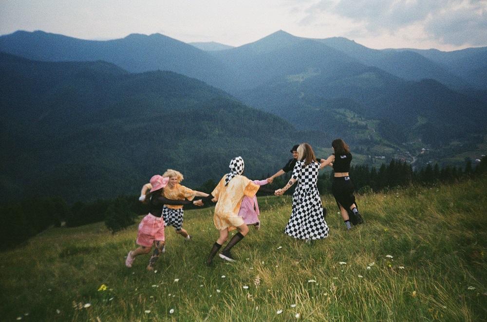 Український бренд одягу за настроєм M1R презентує нову літню колекцію ШАХИ/CHESS-Фото 3