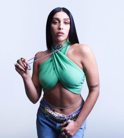Дочь Мадонны Лурдес Леон стала лицом новой рекламной кампании бренда Swarovski-430x480
