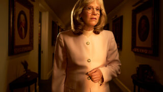 """СараПолсонжалеет о том, что в """"Американской историй преступлений: Импичмент"""" ей пришлось играть в добавляющем вес костюме-320x180"""