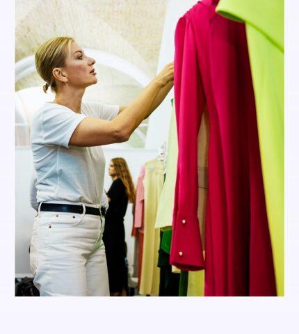 Ексклюзив Marie Claire: що відбувається за лаштунками модного показу Elena Burenina SS 2022-430x480