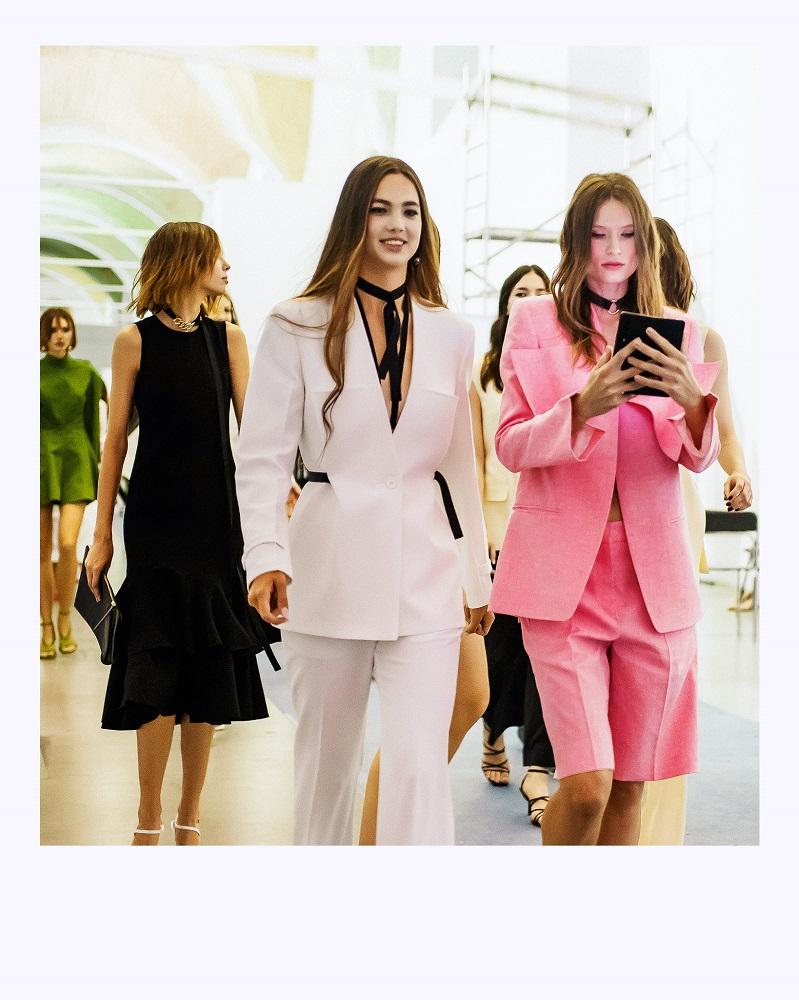 Ексклюзив Marie Claire: що відбувається за лаштунками модного показу Elena Burenina SS 2022-Фото 15