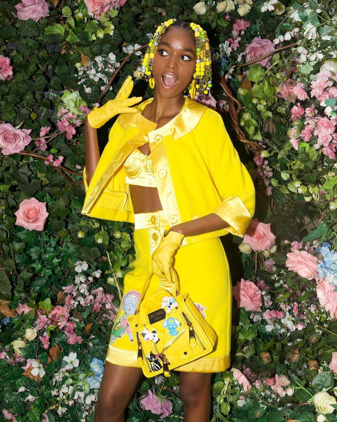 Взгляд в будущее: Лучшие бьюти-образы с Нью-Йоркской недели моды 2021-Фото 8