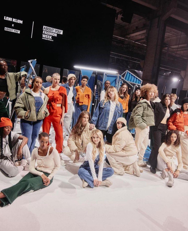 По маминым стопам: Дочка Хайди Клум презентовала собственную коллекцию одежды и сама поучаствовала в показе-Фото 4