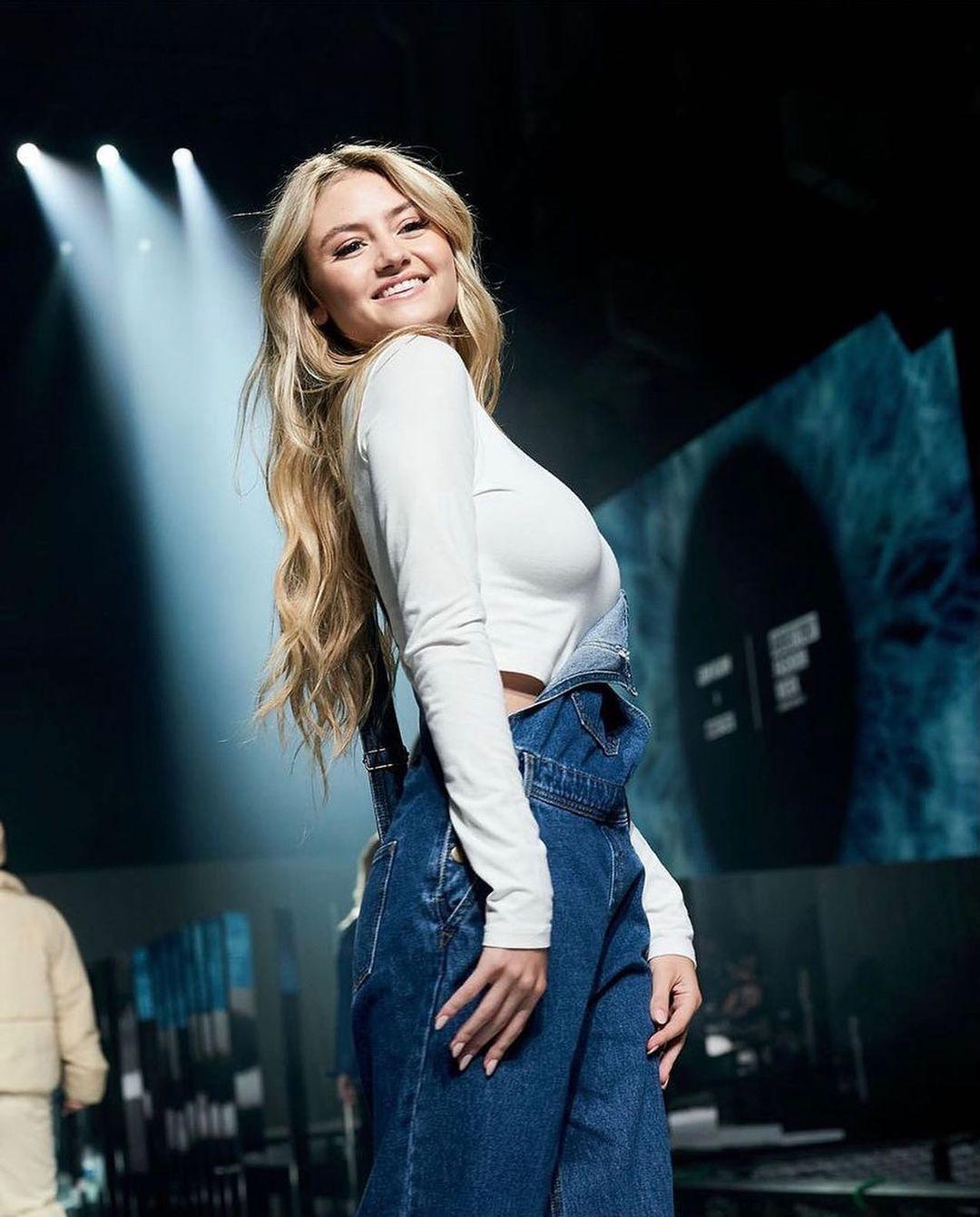 По маминым стопам: Дочка Хайди Клум презентовала собственную коллекцию одежды и сама поучаствовала в показе-Фото 3