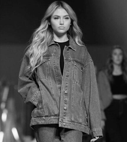 По маминым стопам: Дочка Хайди Клум презентовала собственную коллекцию одежды и сама поучаствовала в показе-430x480