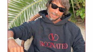 Бренд Valentino представил лимитированное худи в поддержку вакцинации от Covid-19-320x180