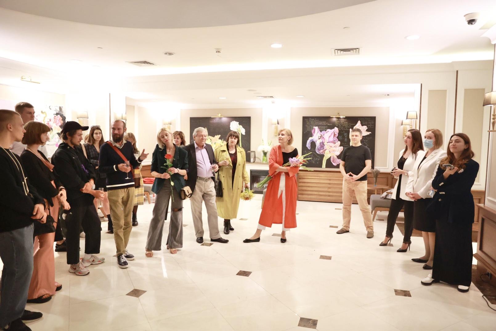 Поп-ап галерея у готелі: SpilneArt створили експозицію у Radisson Blu на Подолі-Фото 2