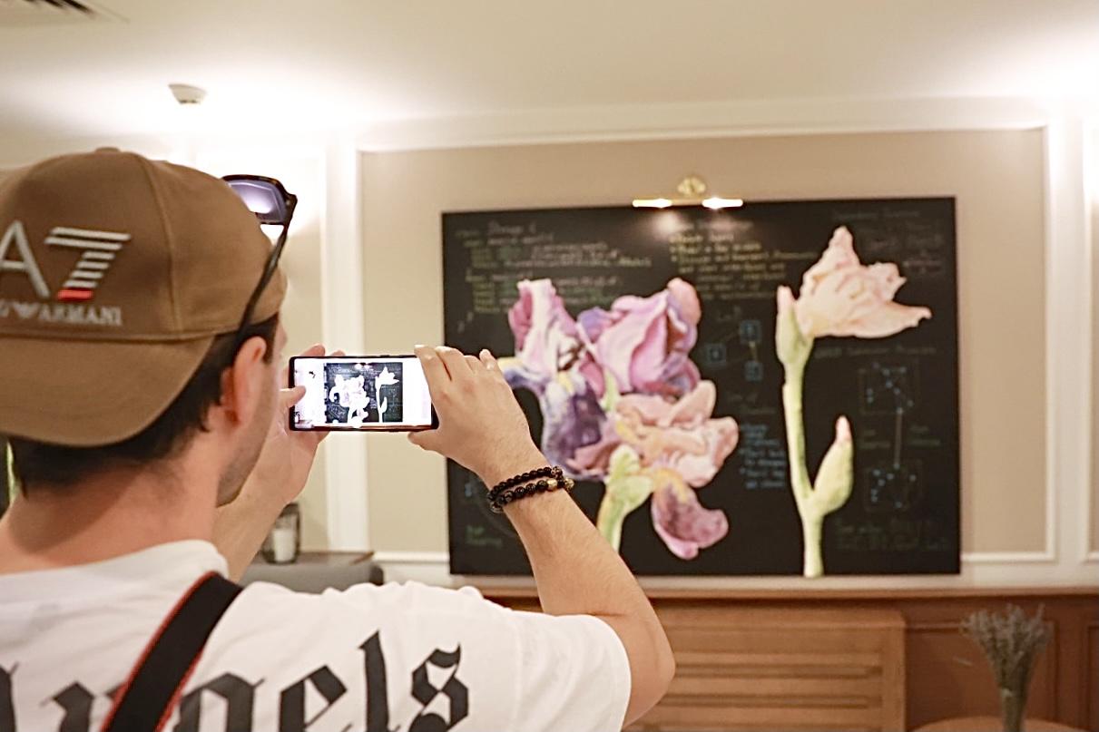 Поп-ап галерея у готелі: SpilneArt створили експозицію у Radisson Blu на Подолі-Фото 3