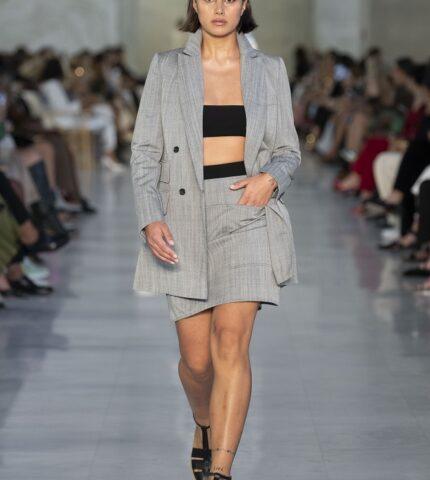 Max Mara посвятил новую коллекцию Франсуазе Саган, создав линейку для «плохой девочки»-430x480