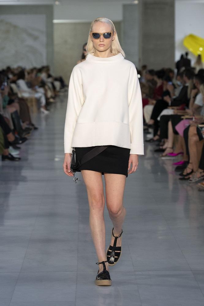 Max Mara посвятил новую коллекцию Франсуазе Саган, создав линейку для «плохой девочки»-Фото 9